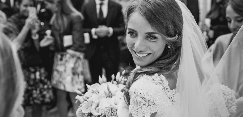 Sposa all'uscita della chiesa a Belluno