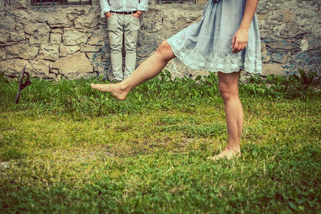 Engagement a piedi nudi