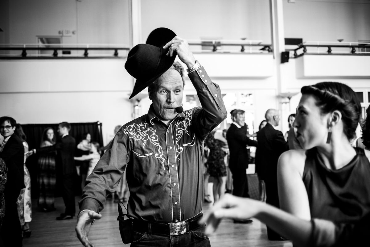 ballo folk durante il matrimonio