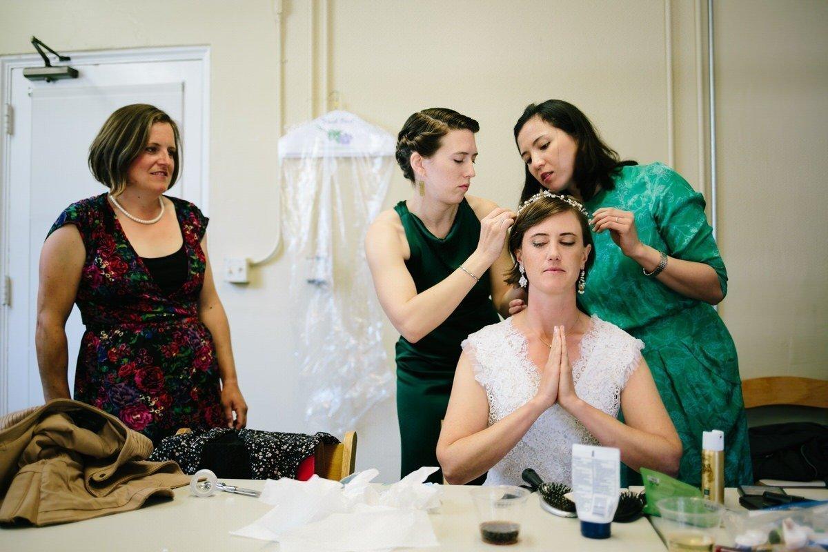 sposa prega prima del matimonio