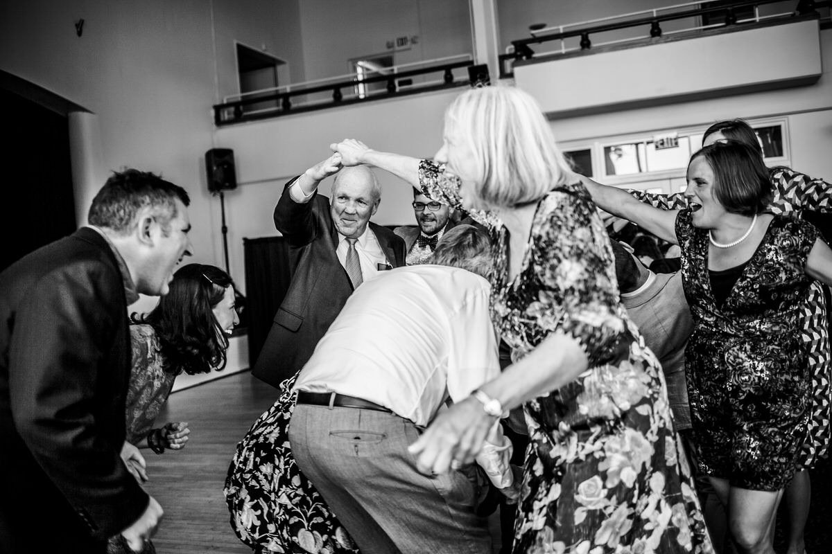 balli di gruppo durante il matrimonio